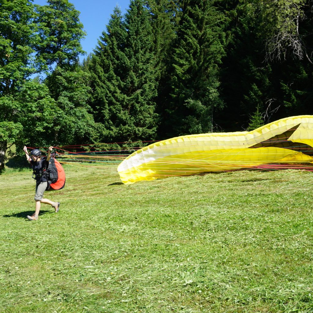 Taking off with paragliding in Schladming