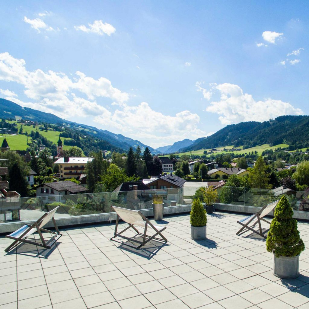 TUI BLUE PULSE Schladming outdoor terrace