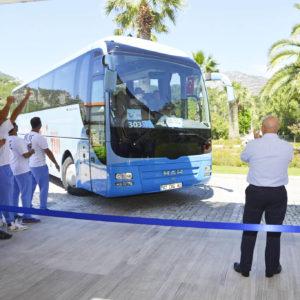 Bus erreicht das Hotel