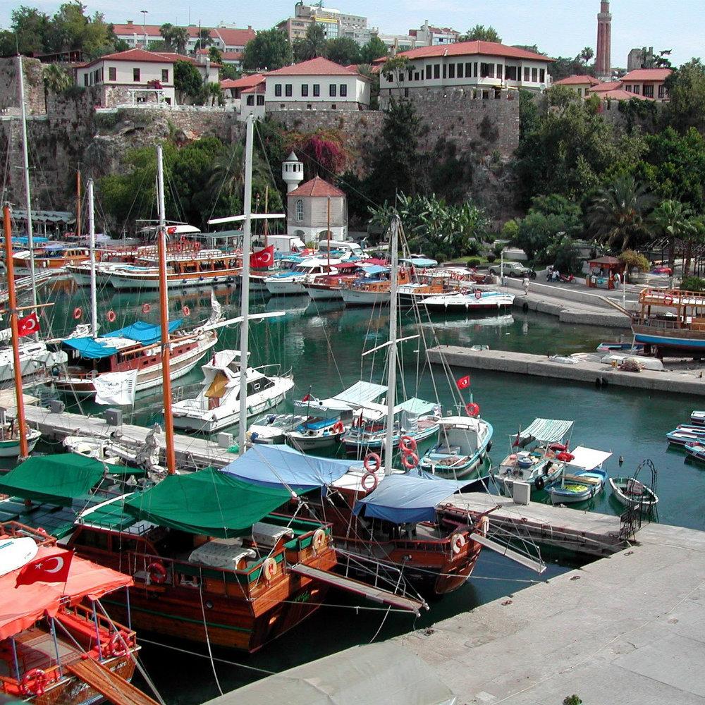 Urlaub an der Türkischen Riviera: Hafen von Antalya