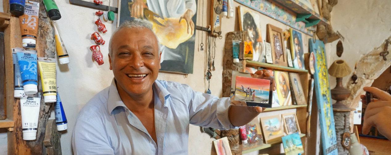 Künstler Jilani in seinem Atelier Dar Jilani auf Djerba