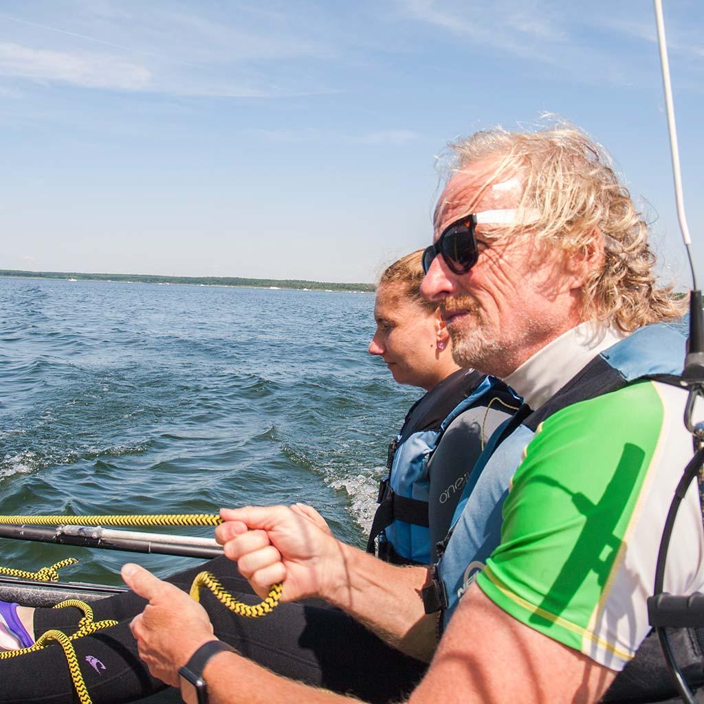 Segellehrer beim Schnuppersegeln