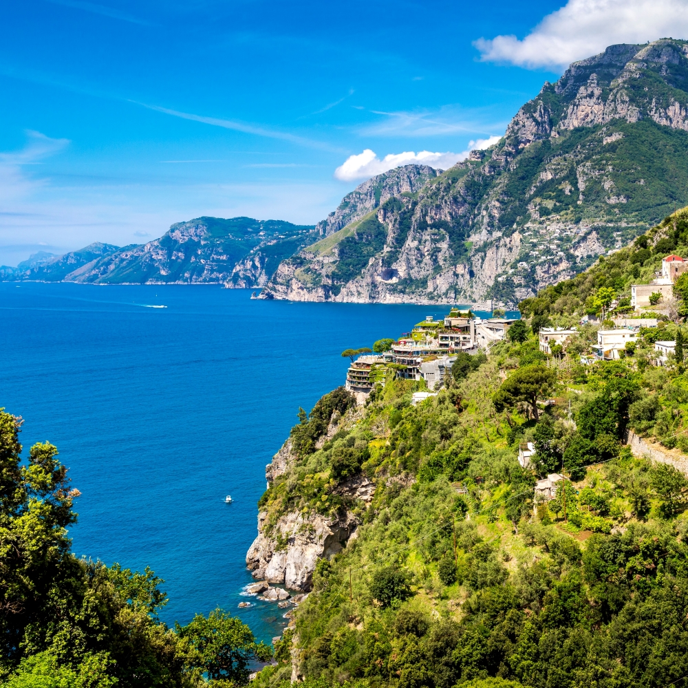Ausblick auf die Amalfiküste und das Meer