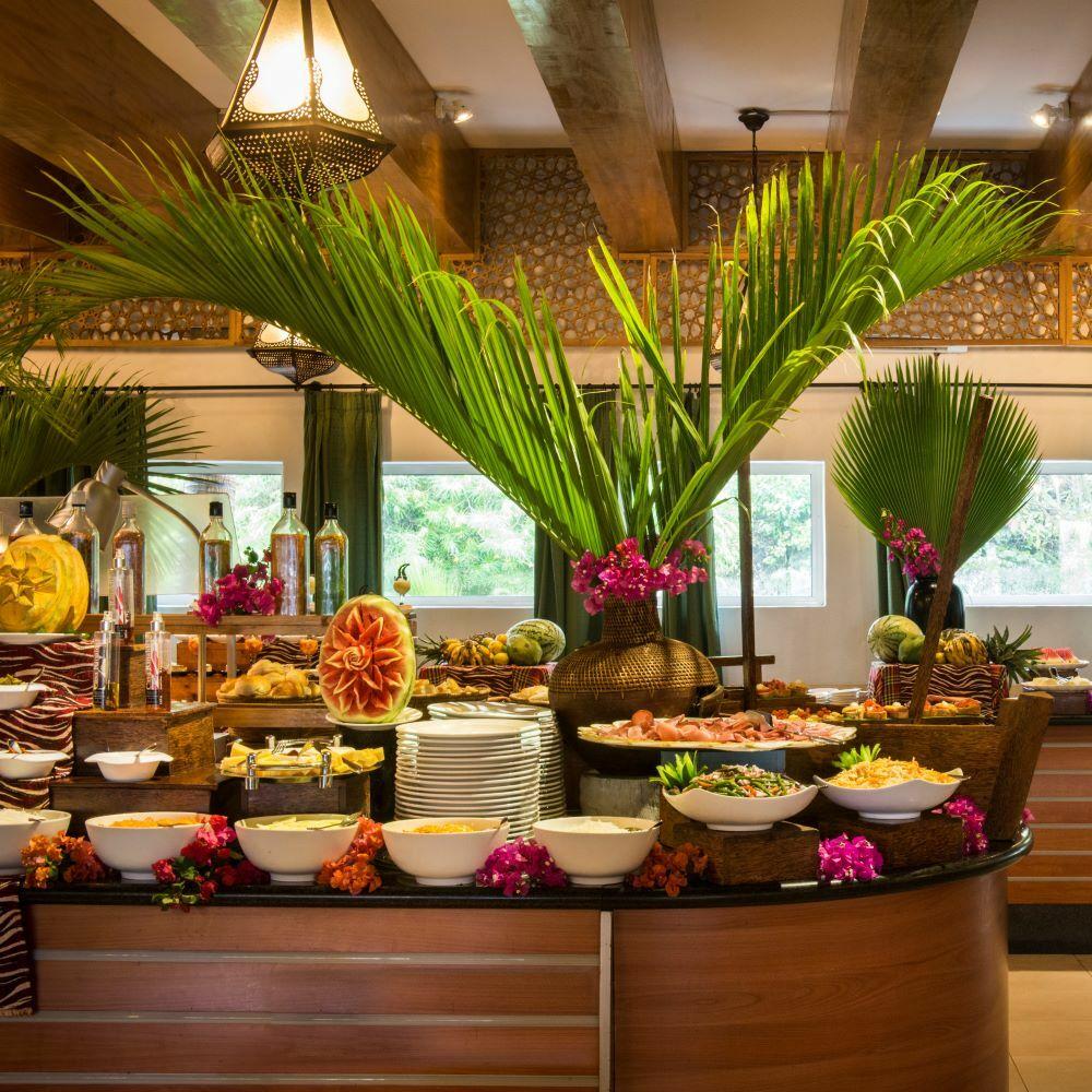 Buffet Sansibar Hotel TUI BLUE dekoriert afrikanisch