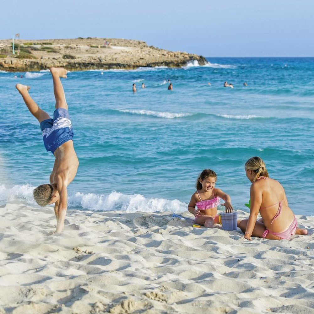 Cyprus Atlantica Aenaes Resort Strandlage