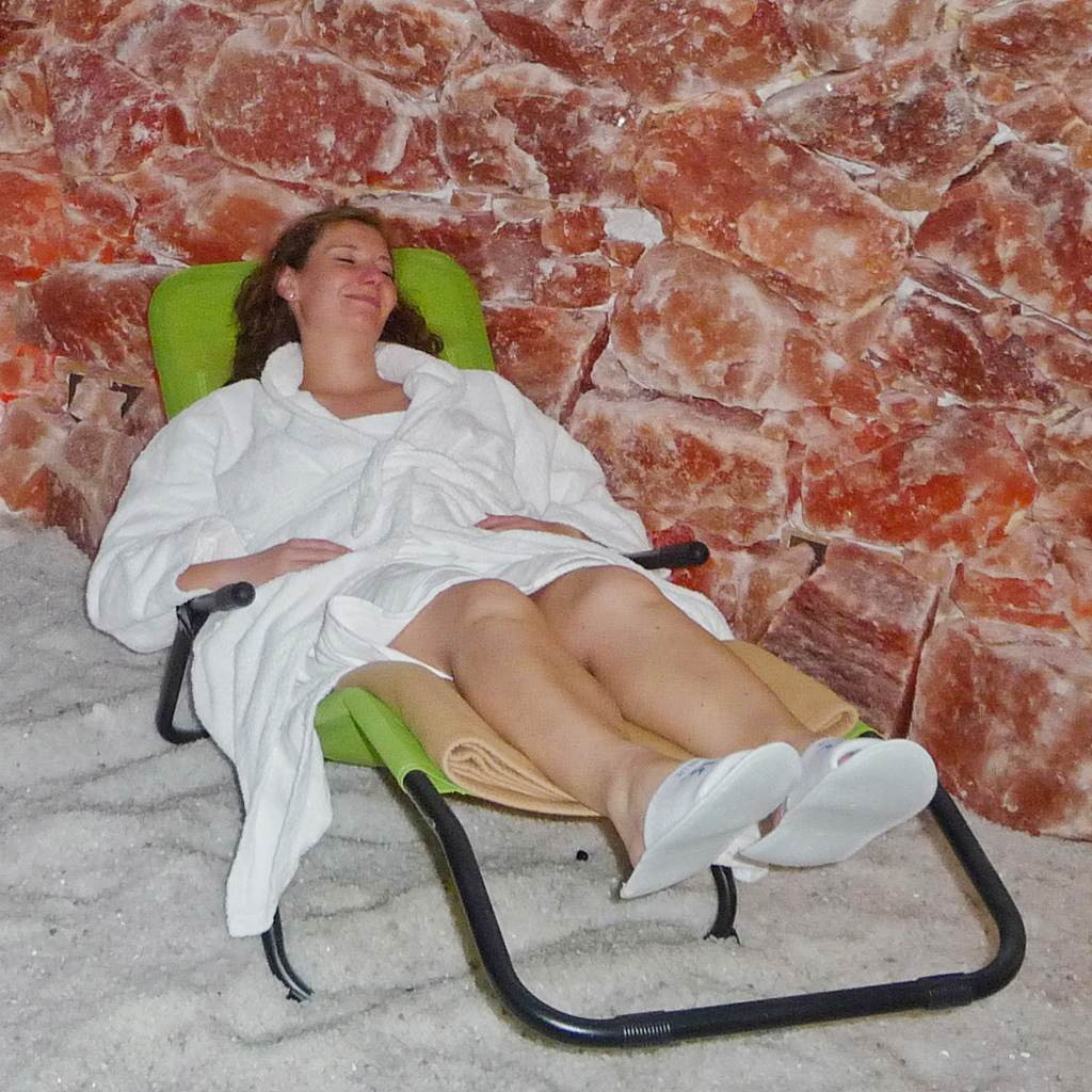 woman salt grotto spa fleesensee