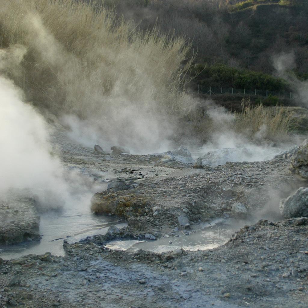 geothermische aktivitaet larderello toskana