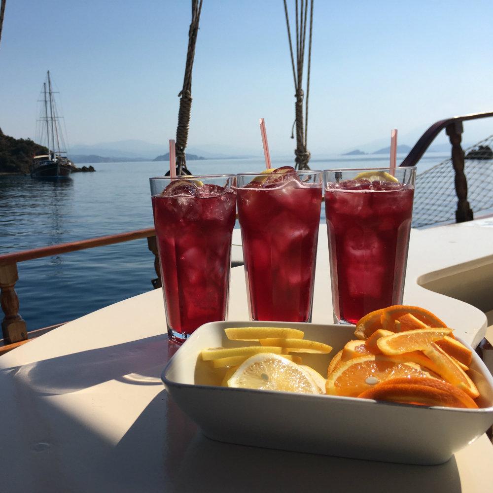 granatapfel cocktail drinks tükische ägäis