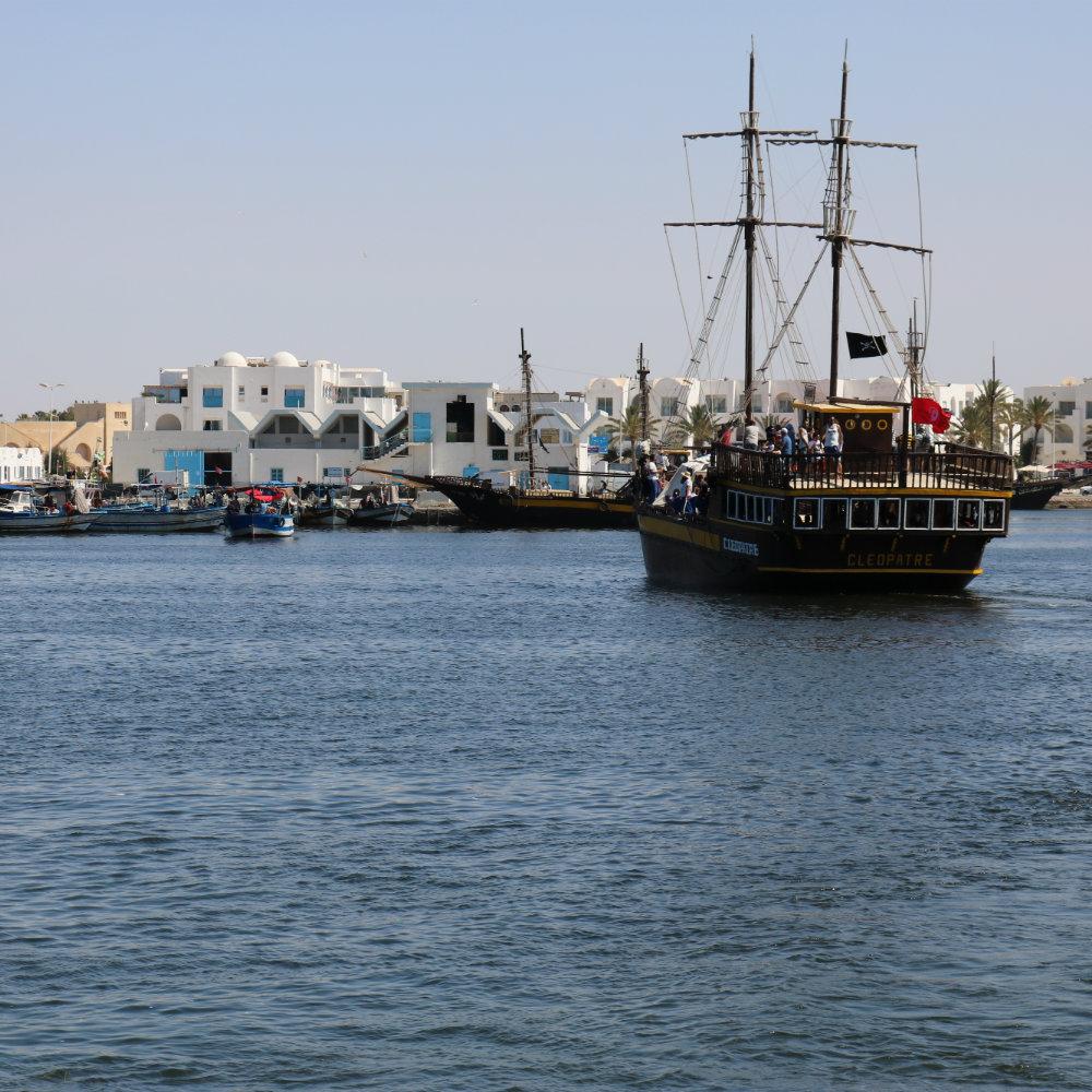 piratenschiff hafen djerba