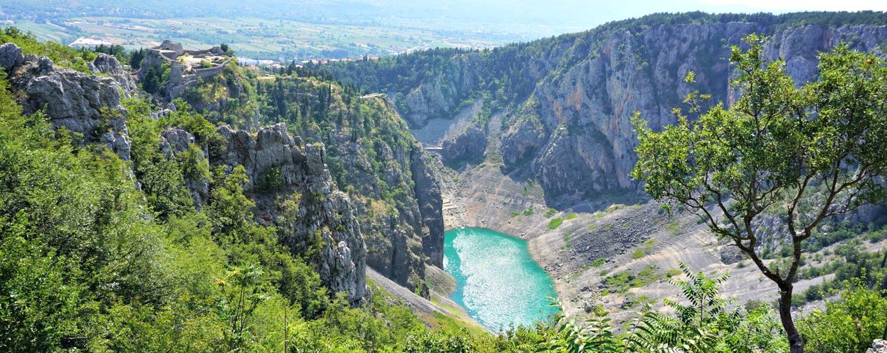 blue lake imotski croatian hinterland