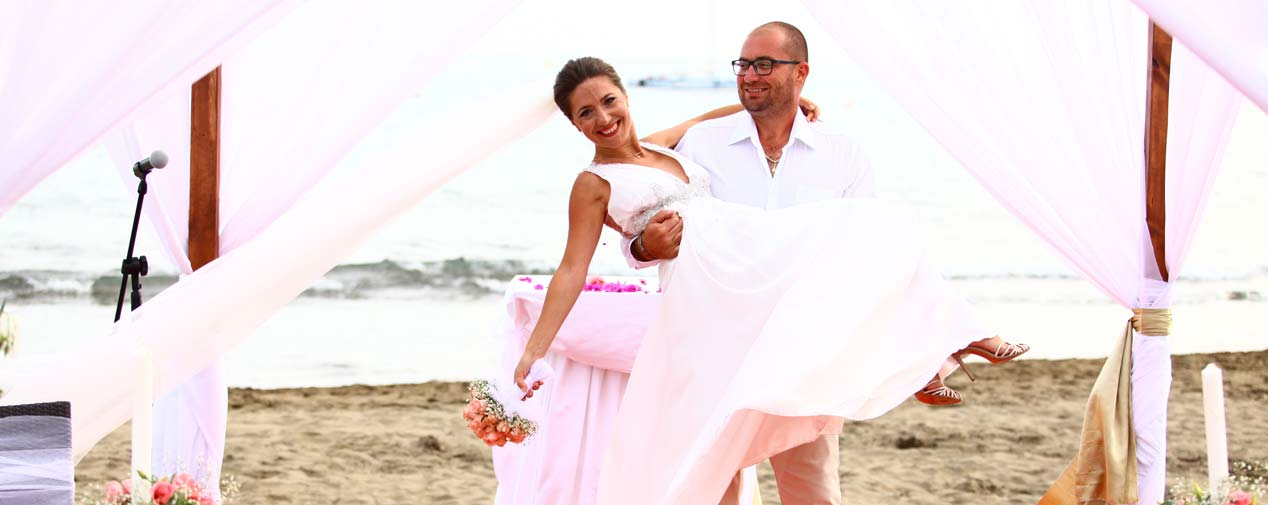 header get married on the beach