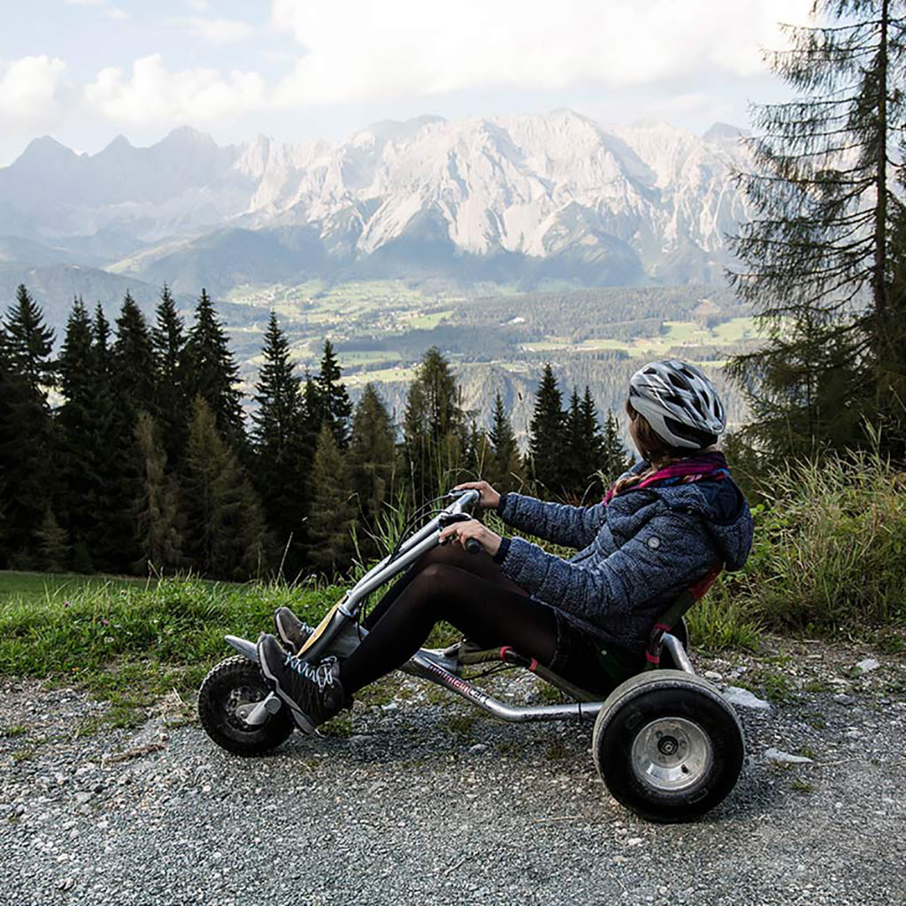 mountain go-cart vor bergen