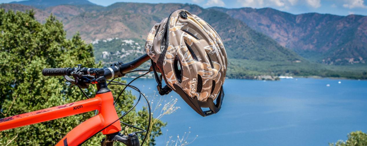 Mountainbiken in Marmaris Aussicht Fahrrad Helm