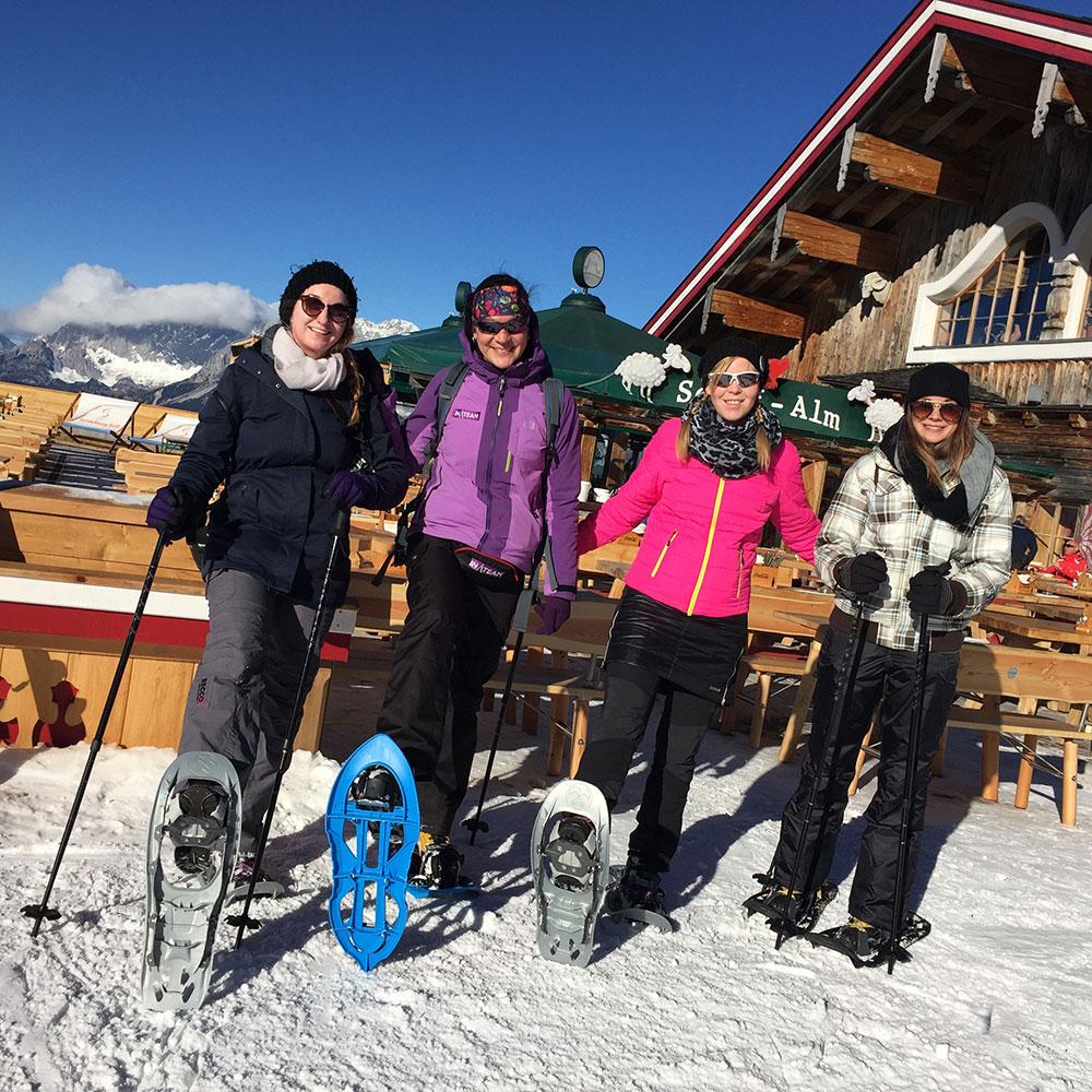 Schneeschuhwandern Pause Alm