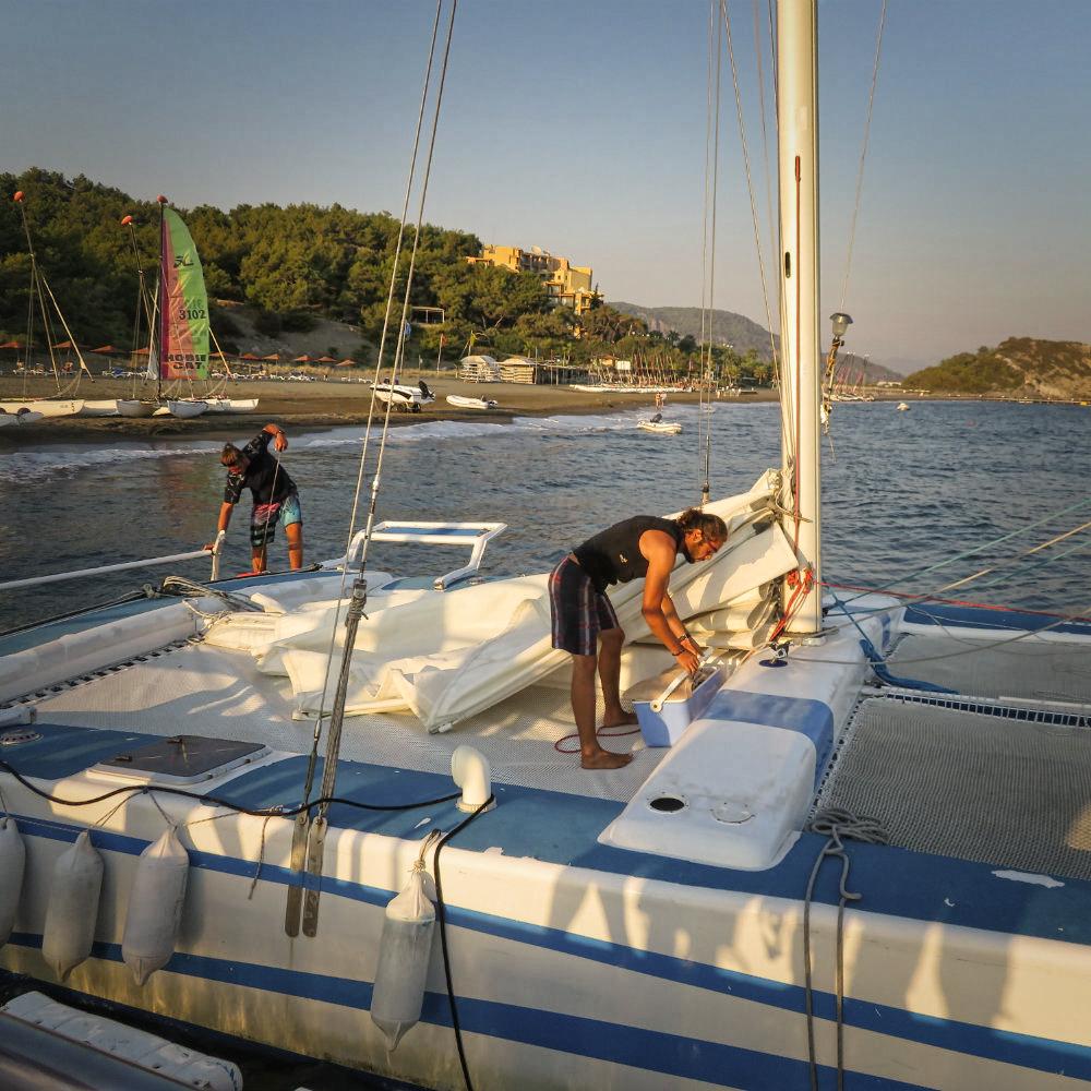 preparations catamaran