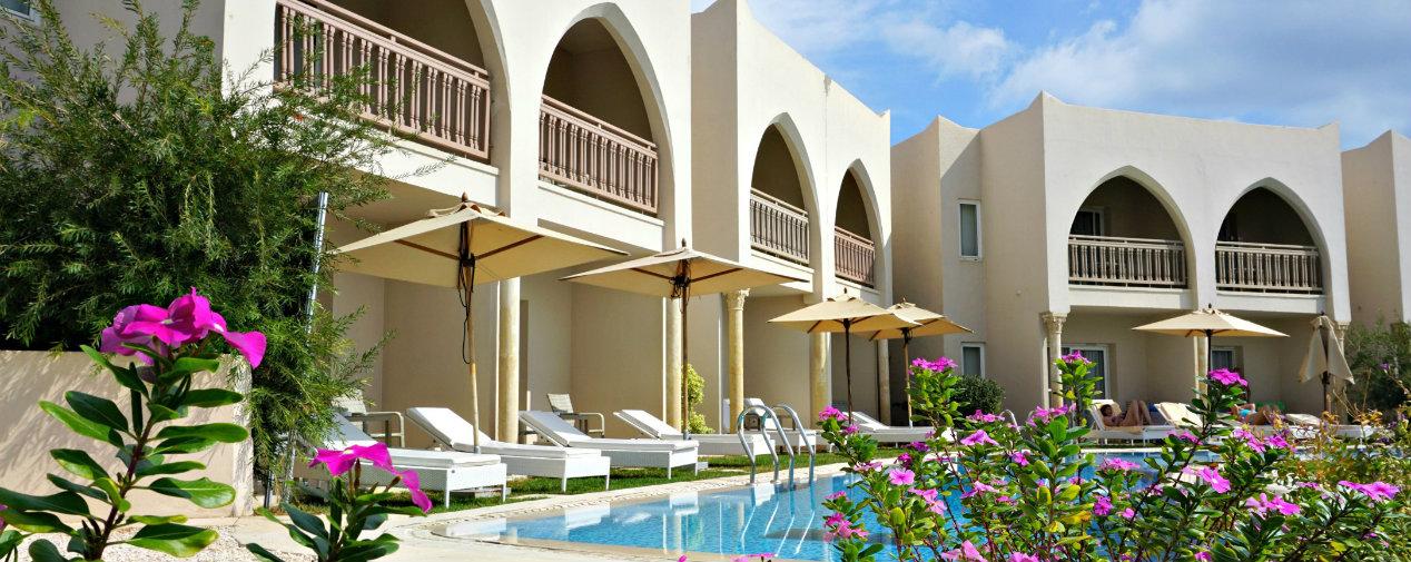 Swim-up pool in Djerba
