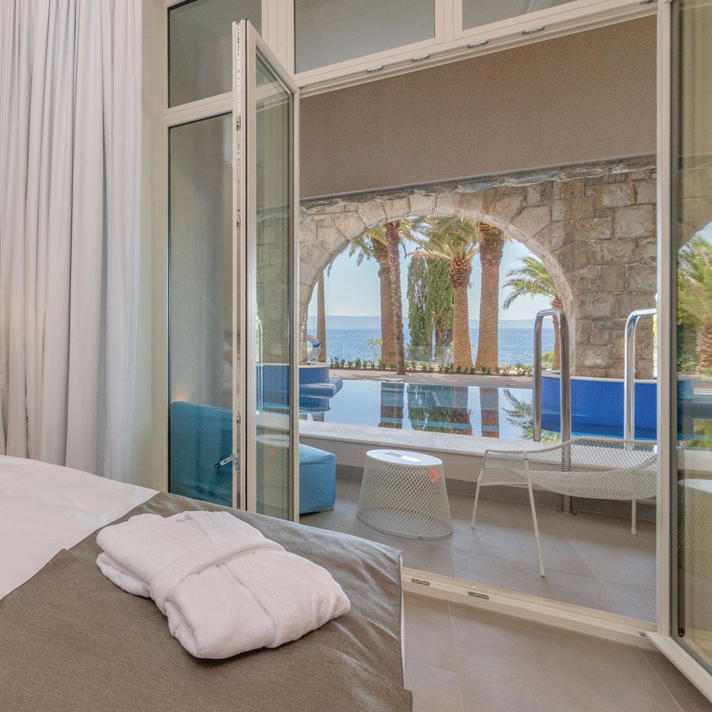 Zimmer mit Blick auf Swim-Up Suite
