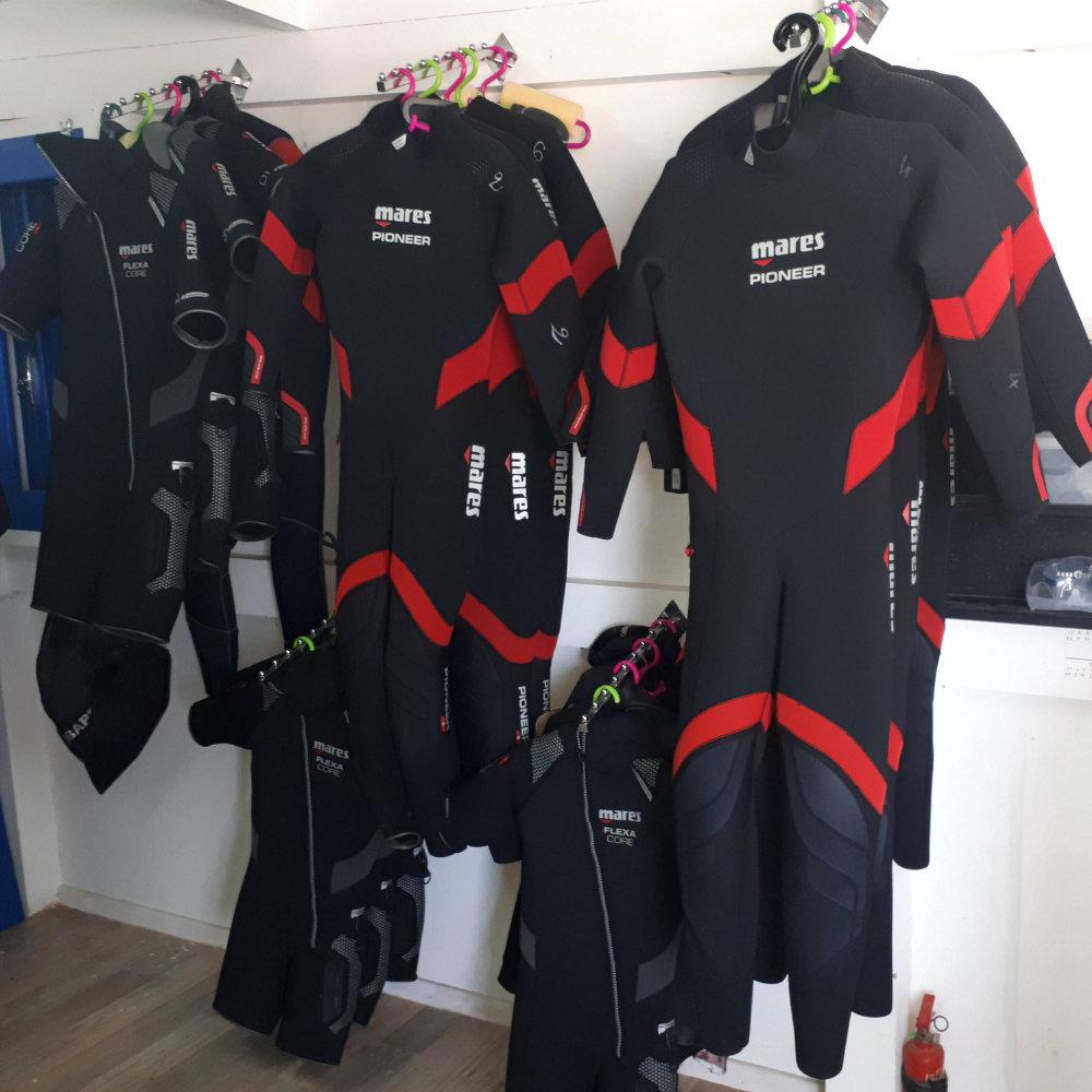 diving suits diving school tunisia
