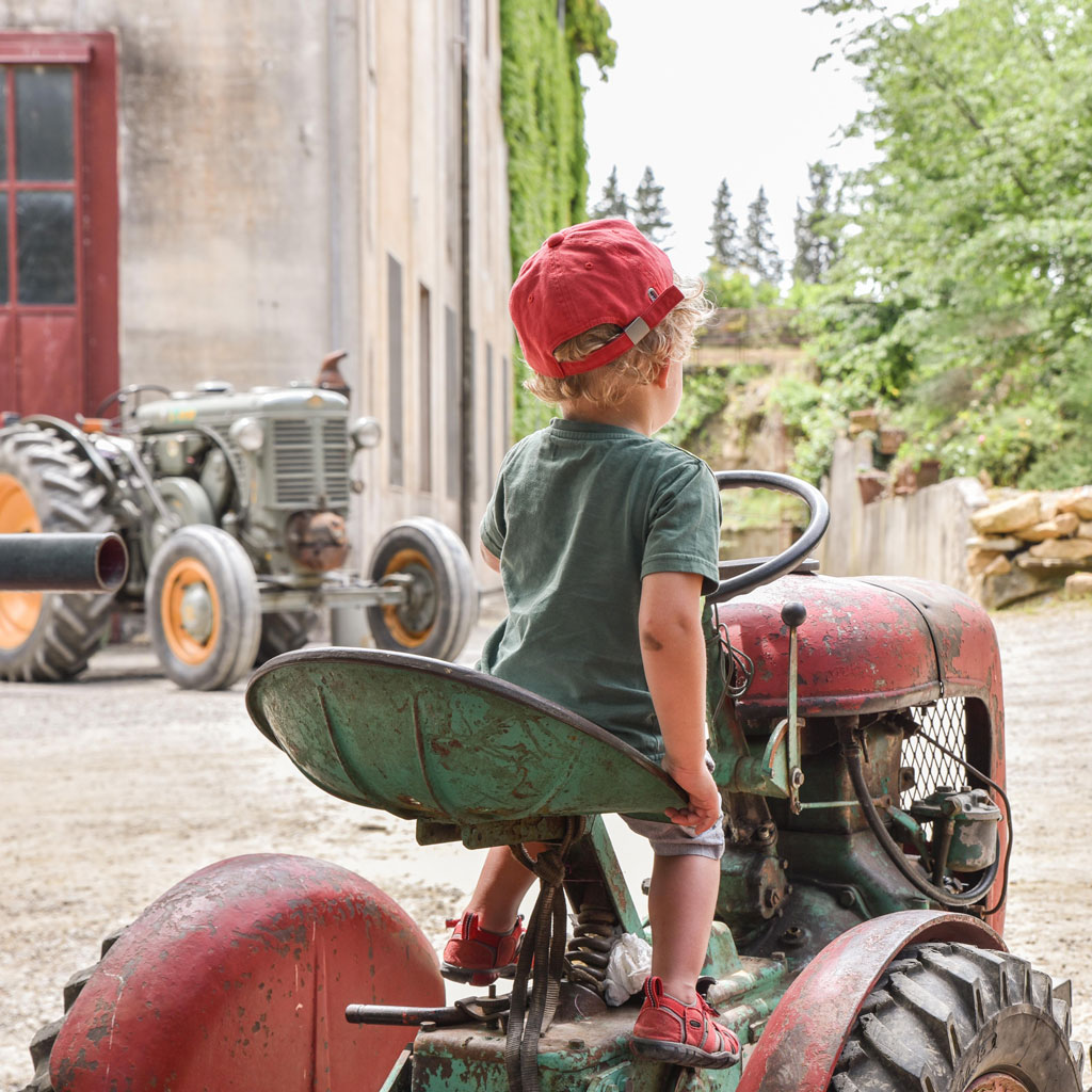 traktor kind castelfalfi