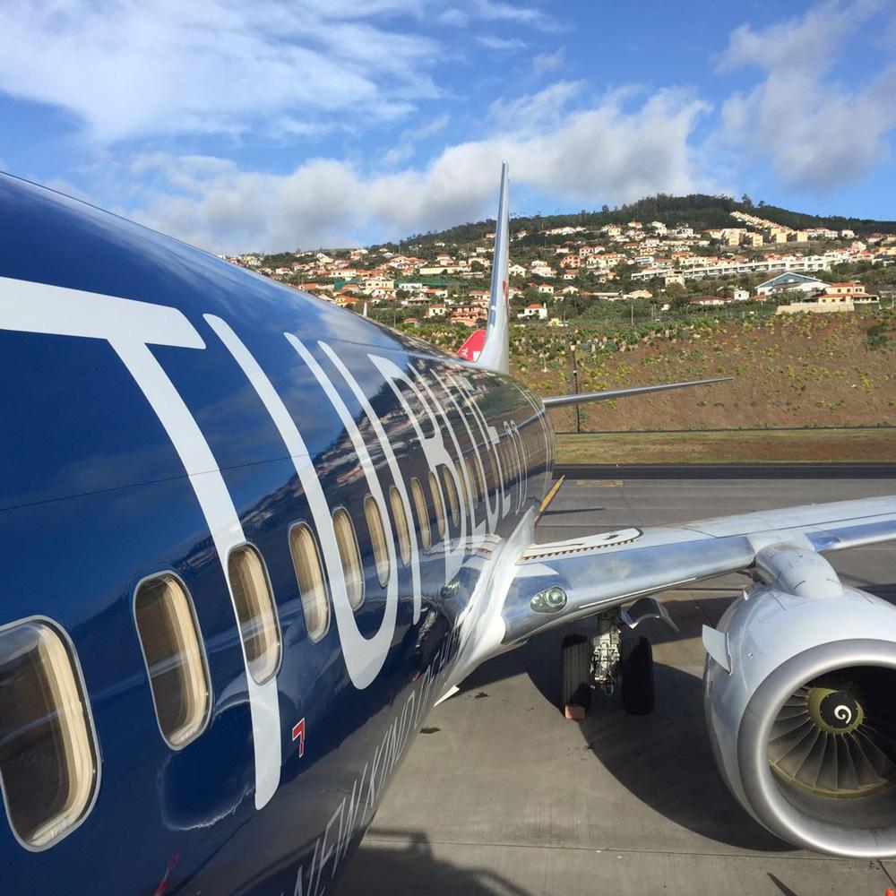 TUI BLUE plane