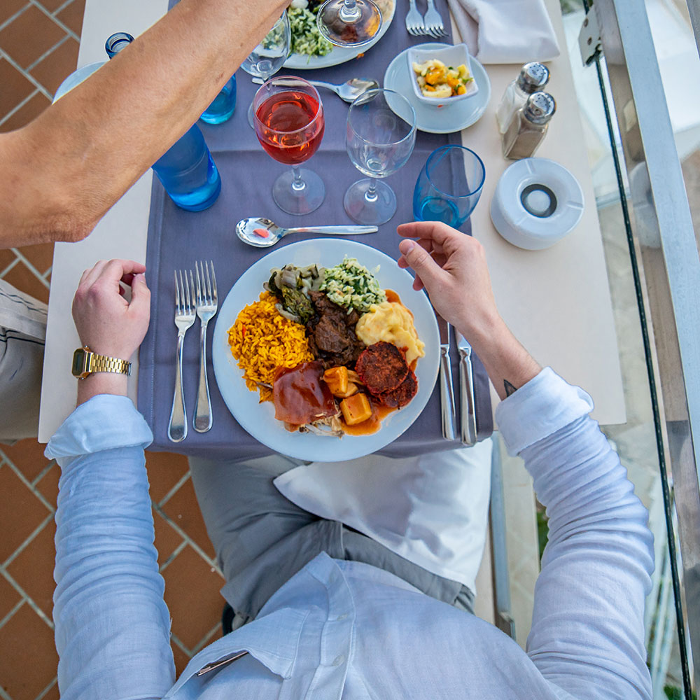tui blue rocador table with food