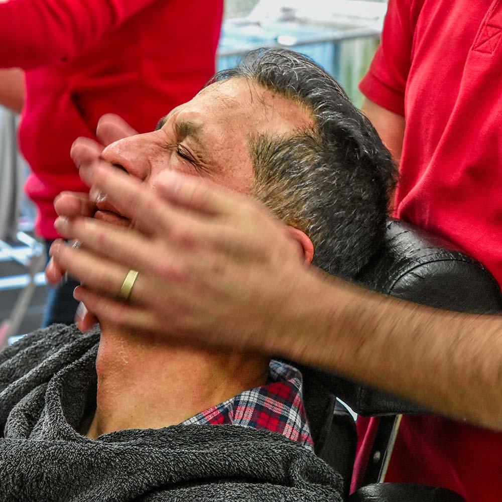türkischer Friseur kräftige Massage