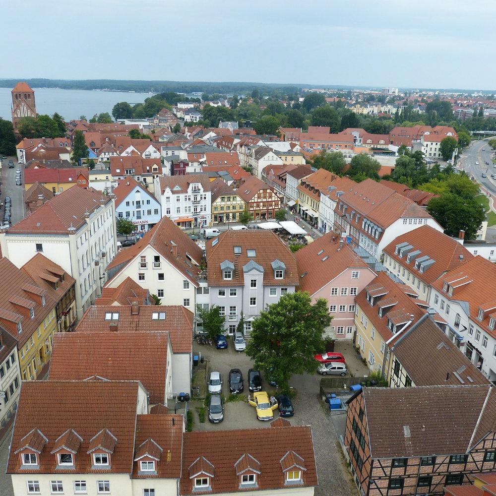 Blick auf Stadt Waren von oben