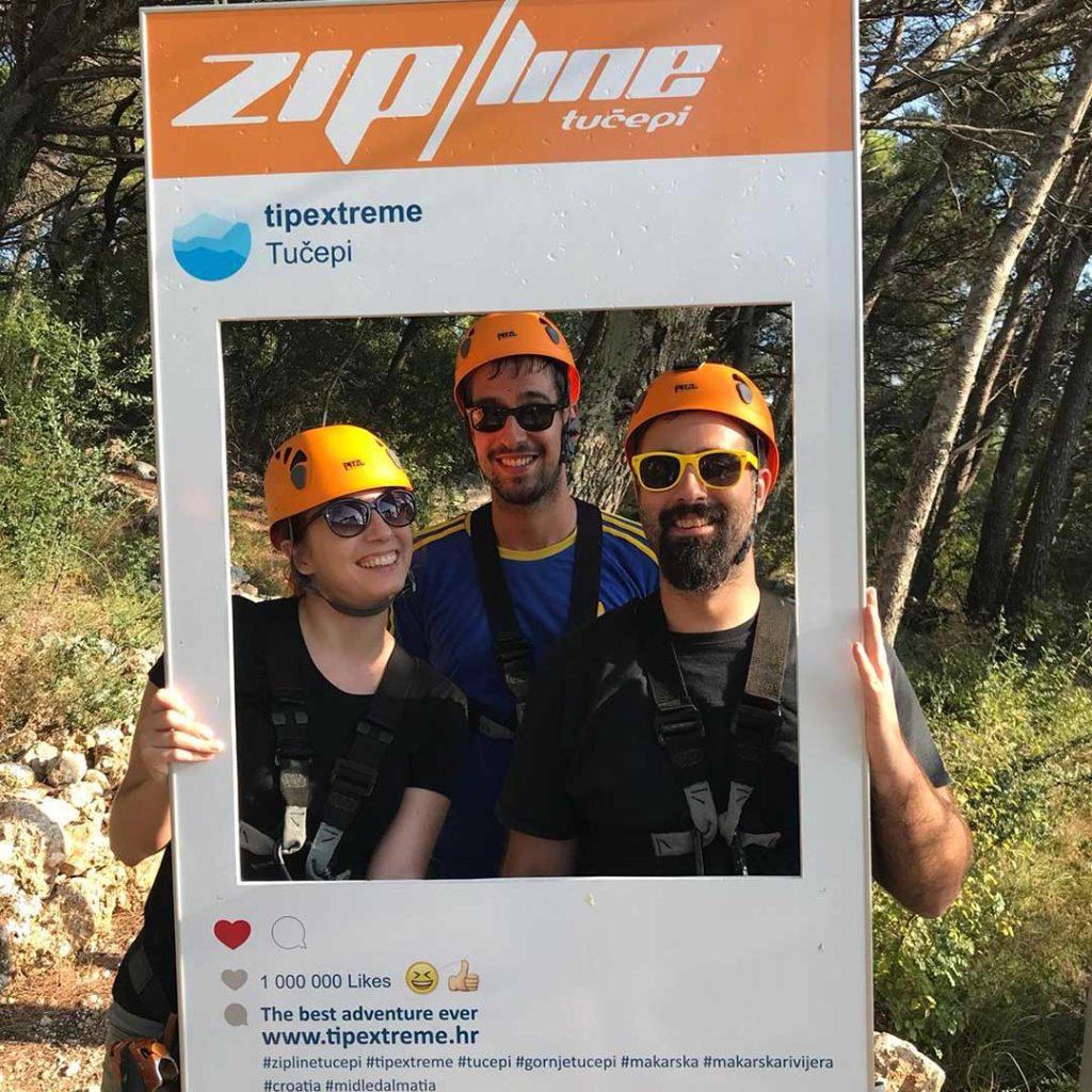zipline gruppenfoto selfie